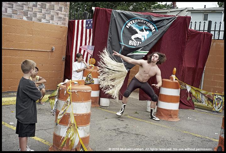wrestling detroit rangefound